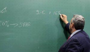 Scuola giorni di permessi retribuiti per i docenti di ruolo